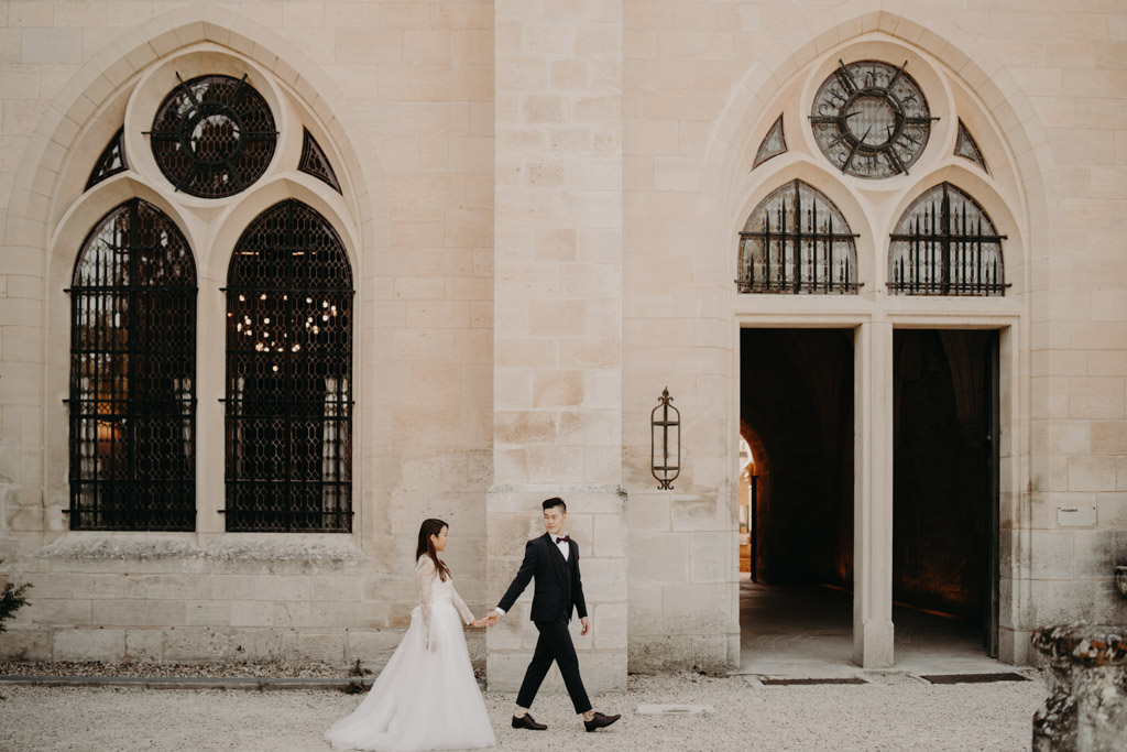 laurène and the wolf shooting photographe mariage wedding abbaye de royaumont val d'Oise abbey ruines french ruins view vintage old retro