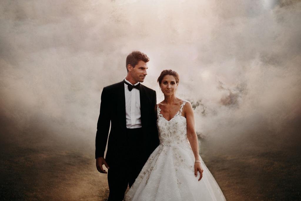 Mariage chateau de bouffémont wedding paris France french castle smoke