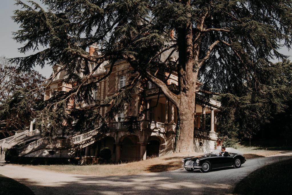 Mariage chateau de bouffémont wedding paris France french castle vintage car