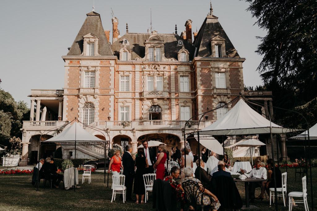 Mariage chateau de bouffémont wedding paris France french castle cocktail