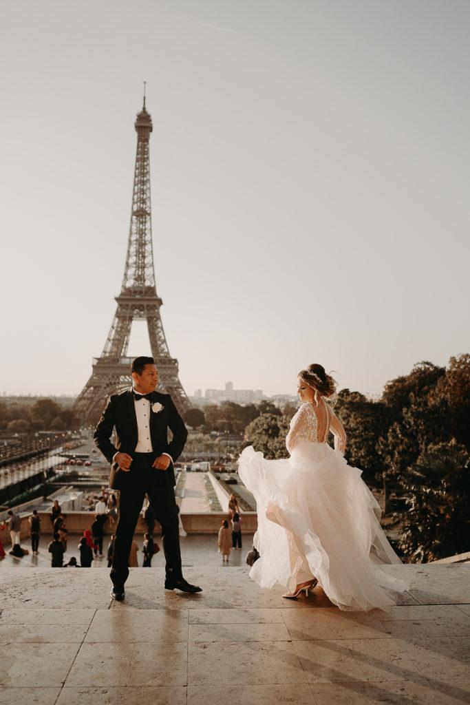 LaureneAndTheWolf montmartre tour eiffel Paris 15 2 683x1024 - Elopement à Paris - shooting Tour Eiffel, Montmartre, FR