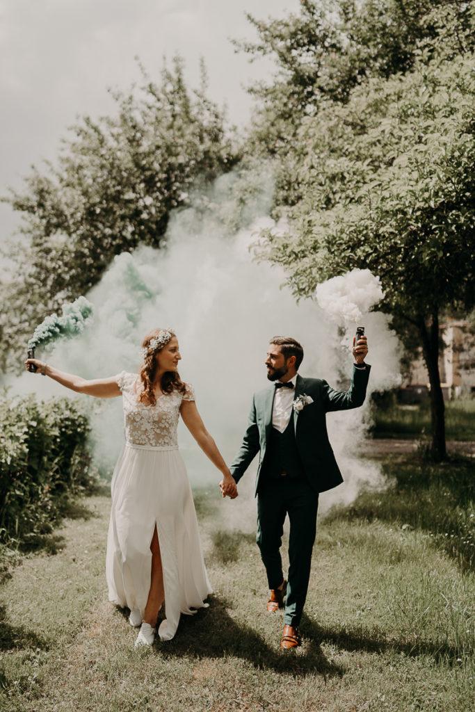 fumigènes couple mariage nature