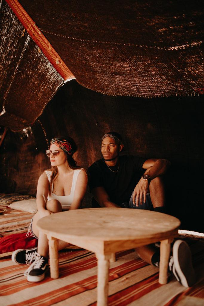 Elopement marrakech latw5 295 683x1024 - 10 idées pour des photos de mariage cool et stylées