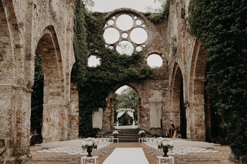 laurene and the wolf abbaye des vaux de cernay 153 1024x683 - Mariage à l'Abbaye des Vaux de Cernay : Alice et Simon