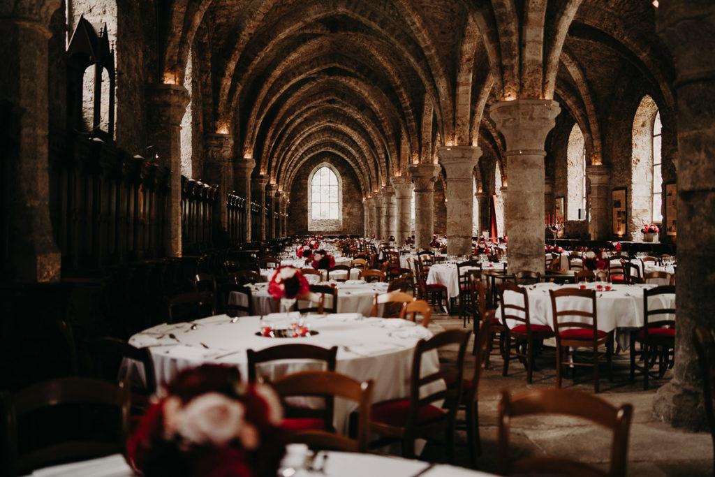 laurene and the wolf abbaye des vaux de cernay 21 1024x683 - Mariage à l'Abbaye des Vaux de Cernay : Alice et Simon