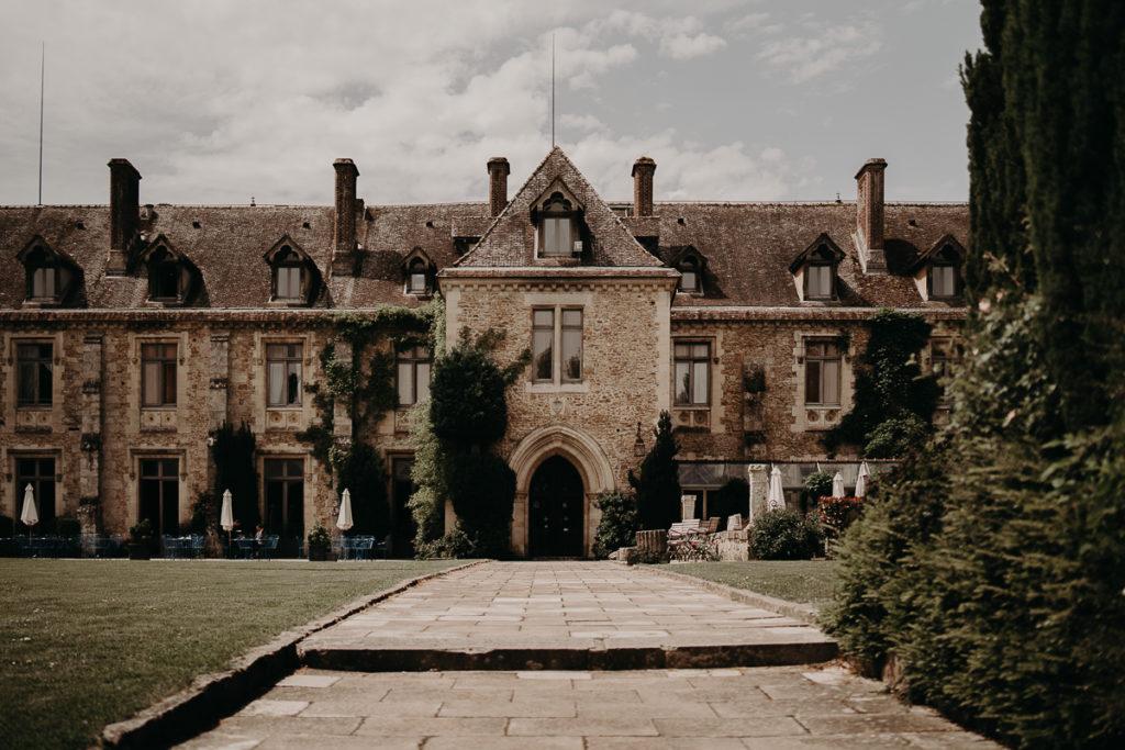 laurene and the wolf abbaye des vaux de cernay 28 1024x683 - Mariage à l'Abbaye des Vaux de Cernay : Alice et Simon