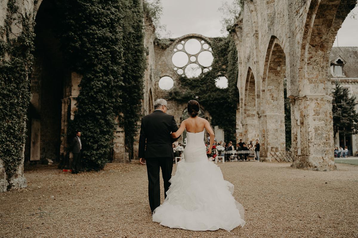 laurene and the wolf abbaye des vaux de cernay 48 - Top 10 des plus beaux lieux pour votre mariage en France