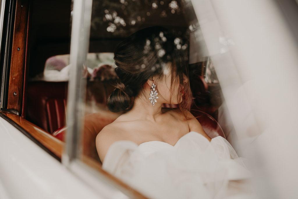 laurene and the wolf abbaye des vaux de cernay 96 1024x683 - 10 idées pour des photos de mariage cool et stylées