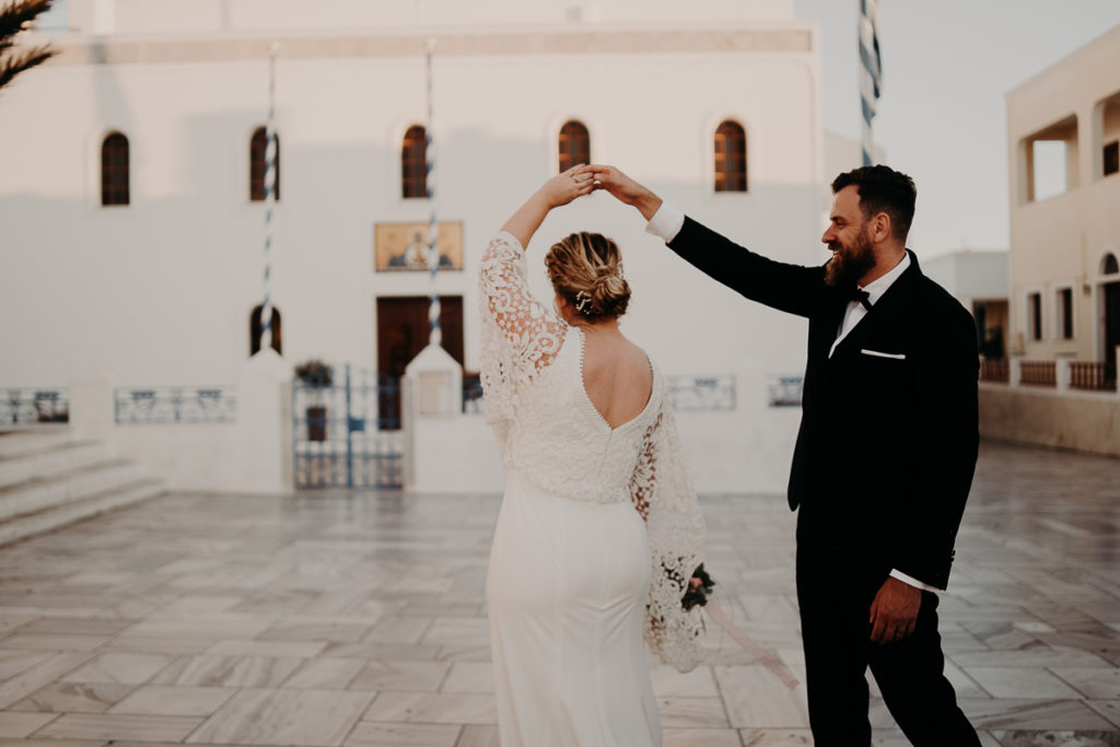 laurene and the wolf elopement santorin julia and evita 175 1024x683 - Santorini elopement : Katie + James