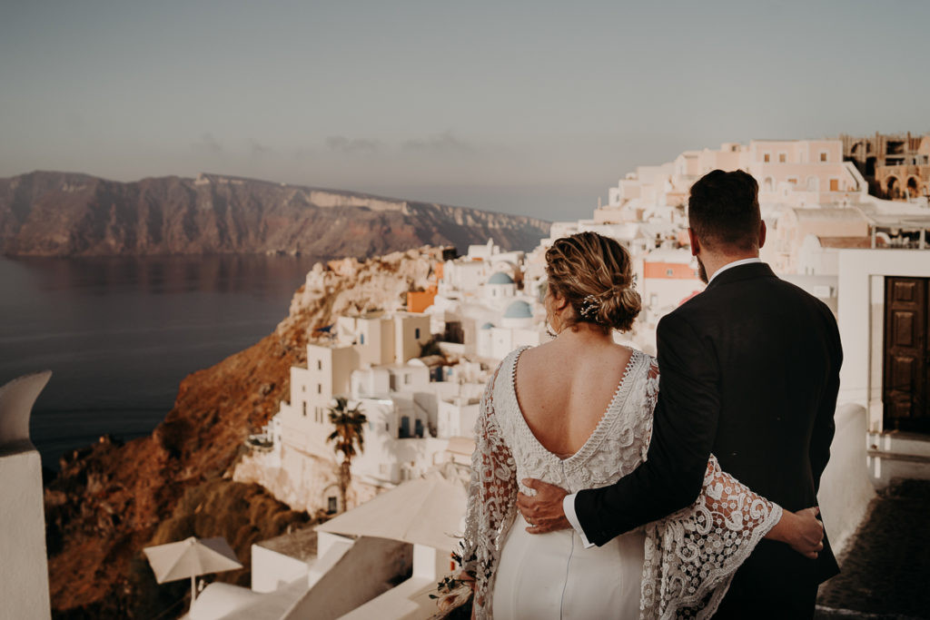 laurene and the wolf elopement santorin julia and evita 198 1024x683 - Santorini elopement : Katie + James
