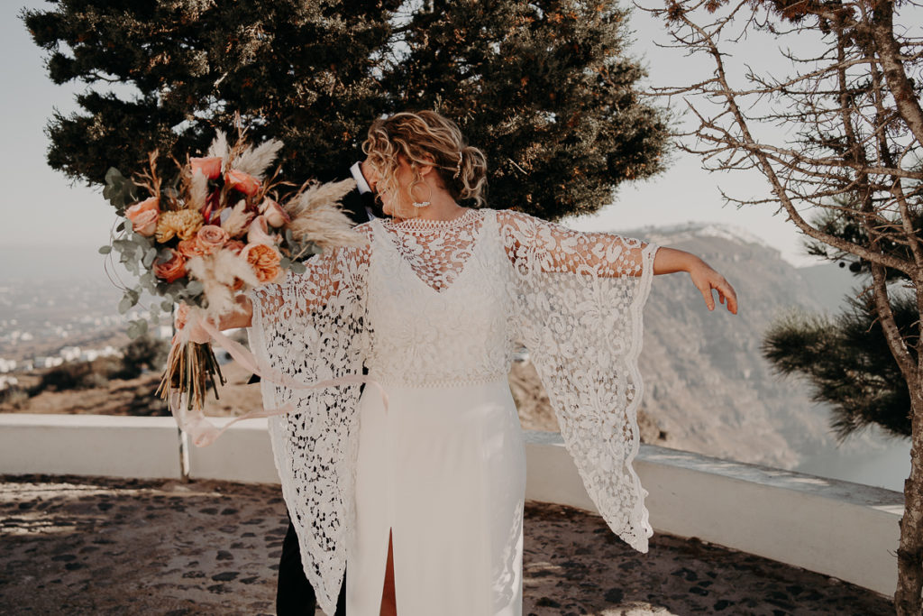 laurene and the wolf elopement santorin julia and evita 59 1 1024x683 - Santorini elopement : Katie + James